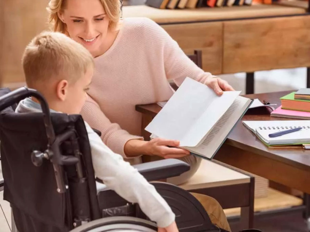 Опека над ребенком-инвалидом
